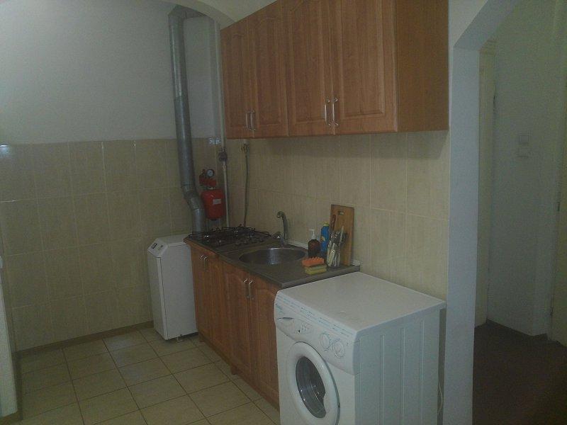 2-кімнатна квартира подобово, Чернівці, вул. Кобилянська, 1 (10)