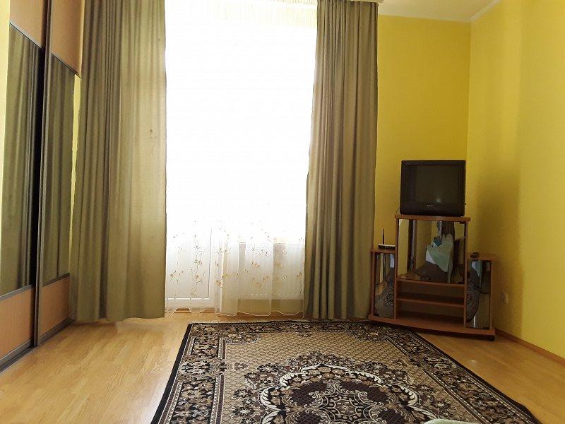 Відмінна квартира Р-н торг. центр Майдан. (1)