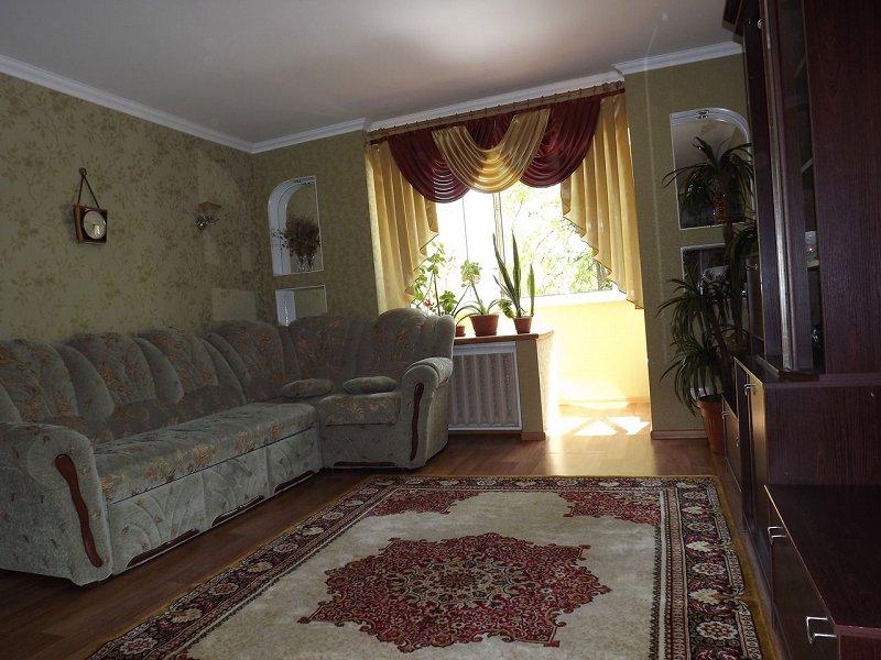 Сдам уютную, обустроенную квартиру в центре Каменец-Подольского