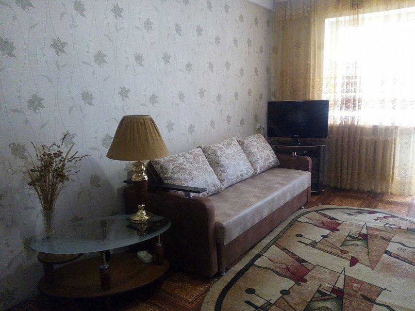 Аренда посуточно в Севастополе 2-х. квартира. Центр, хозяйка.