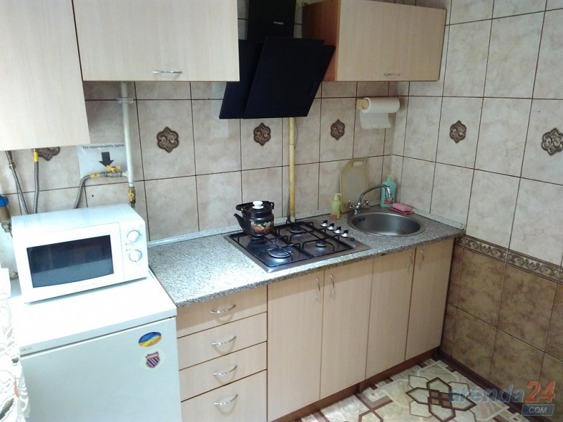 Посуточно и почасово квартира в центральном р-не Кривого Рога (3)