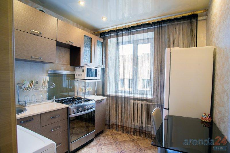 2-комнатная квартира посуточно, Днепр, ул. Моссаковского, 3 (3)