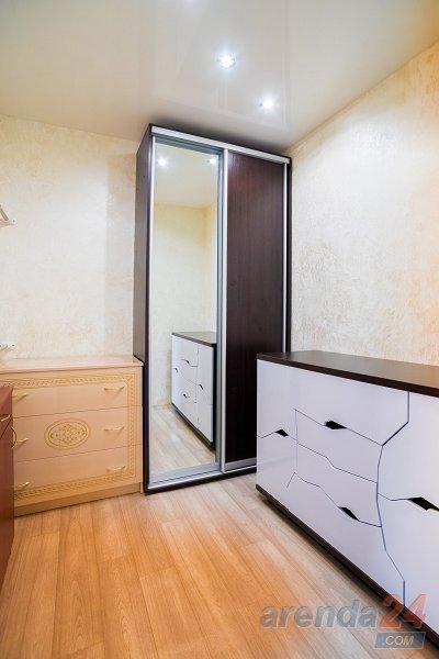2-комнатная квартира посуточно, Днепр, ул. Моссаковского, 3 (10)