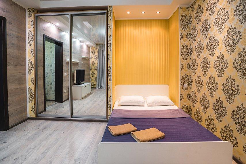 1-комнатная квартира посуточно, Днепр, ул. Гоголя, 6 (2)