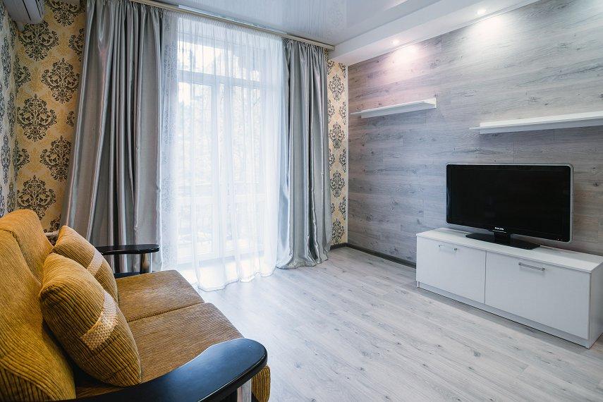 1-комнатная квартира посуточно, Днепр, ул. Гоголя, 6 (5)