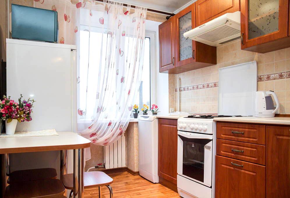 Сдам посуточно однокомнатную квартиру в центре города. Элитный район. (6)