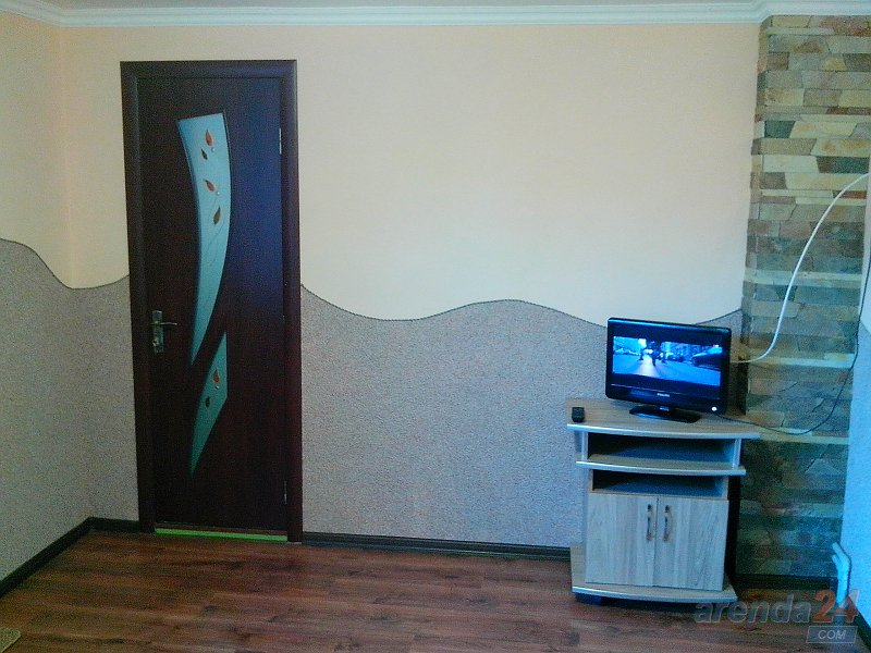 1-комнатная квартира посуточно, Моршин, ул. Привокзальная, 121 (6)