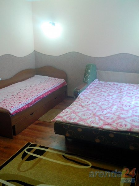 1-комнатная квартира посуточно, Моршин, ул. Привокзальная, 121 (8)
