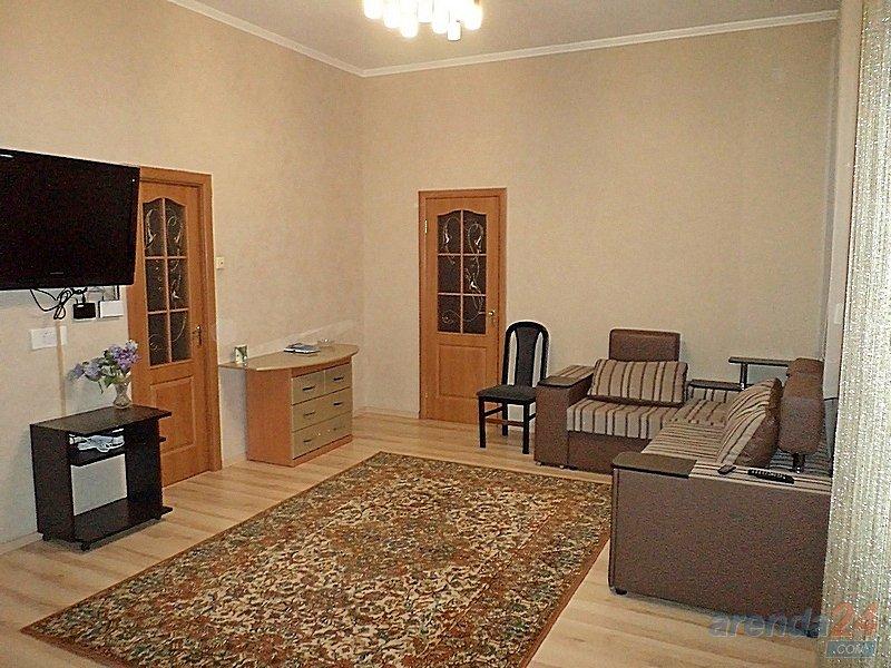 2-кімнатна квартира подобово, Чернівці, вул. Головна, 75