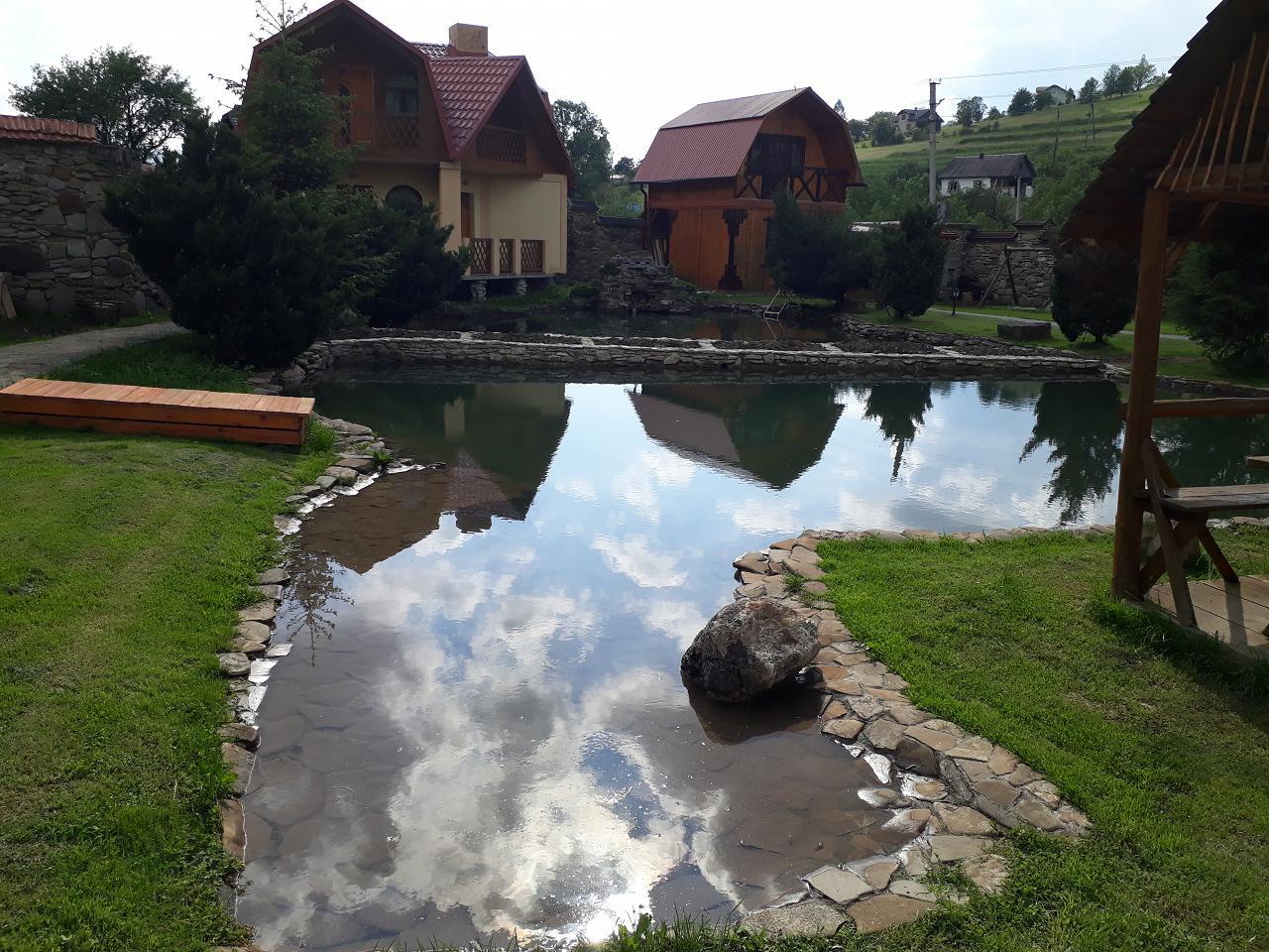 Часная усадьба возле Сходницы с родниковой водой (2)