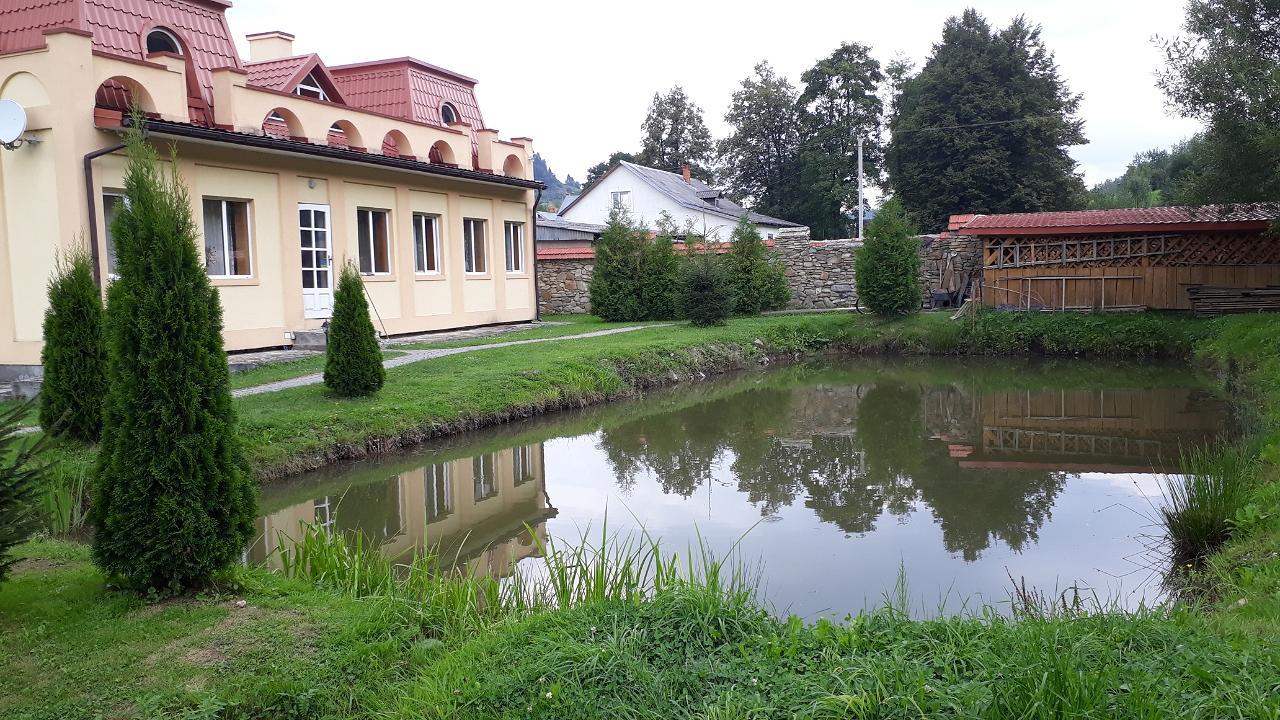 Часная усадьба возле Сходницы с родниковой водой (3)