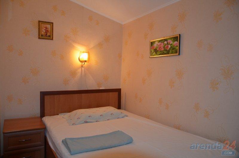 3-комнатная квартира посуточно, Кривой Рог, ул. 10-летия Октября, 6