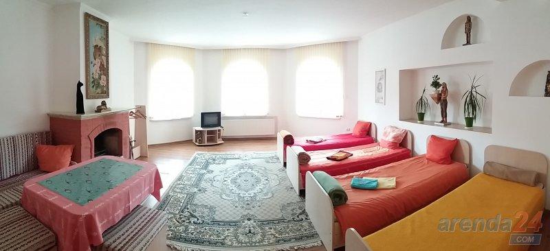 Посуточно дом в г.Берегово вместительность 18 человек (3)