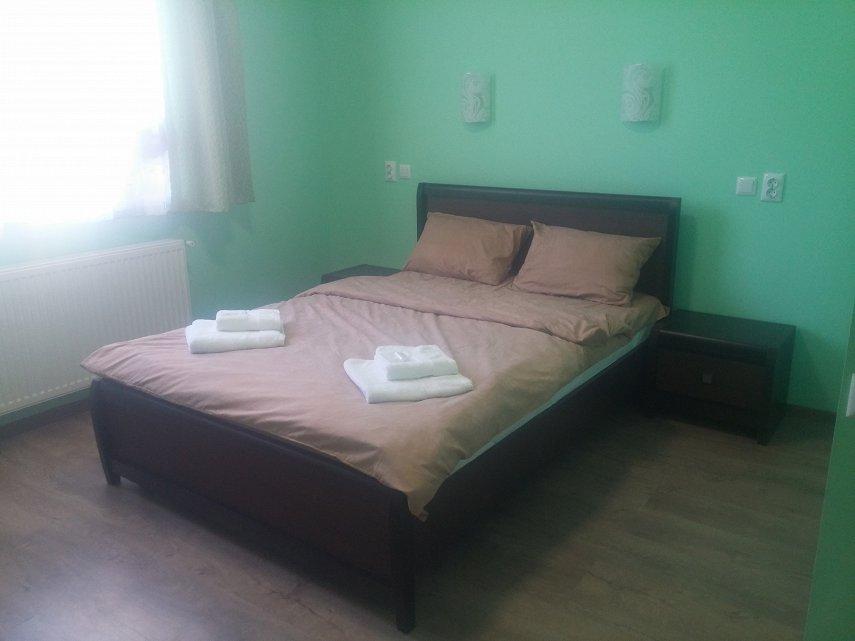 Міні-готель подобово, Чернівці, вул. Кишинівська, 84 (1)