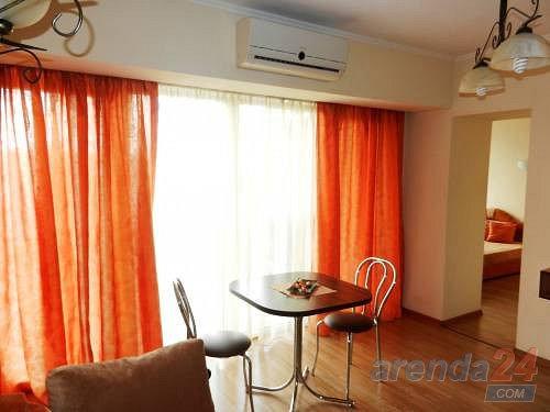 2-кімнатна квартира подобово, Дніпро, просп. Олександра Поля, 27 (6)