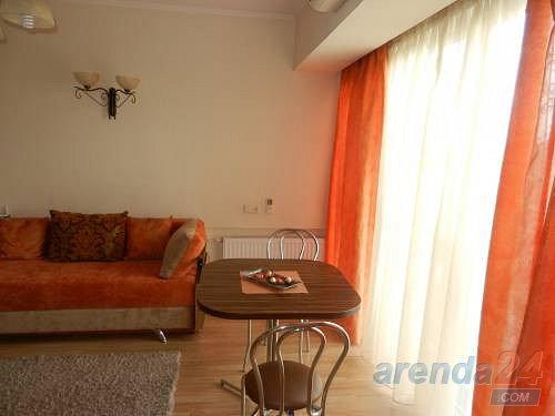2-кімнатна квартира подобово, Дніпро, просп. Олександра Поля, 27 (7)