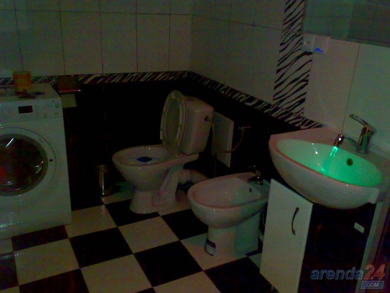 Посуточно двух комнатная квaртира ЦЕНТР VIP Крушельницкой 8 (6)