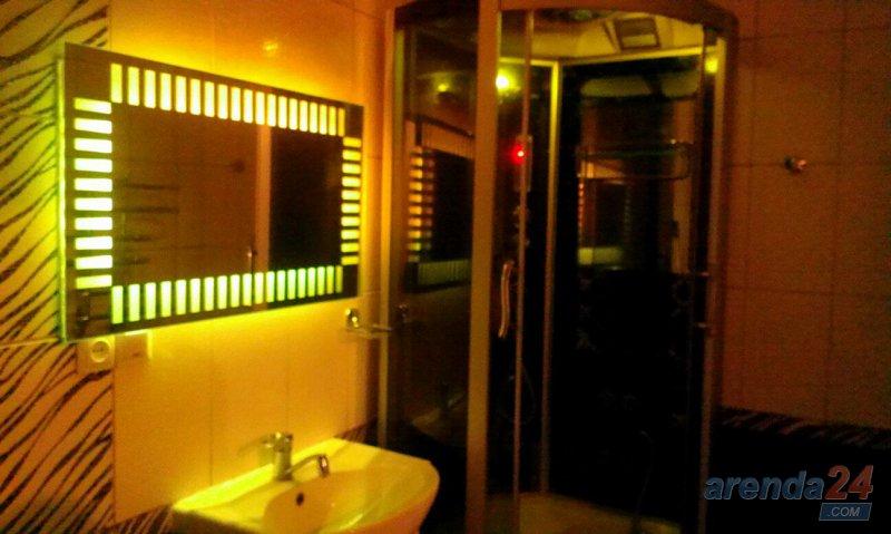 Посуточно двух комнатная квaртира ЦЕНТР VIP Крушельницкой 8 (1)