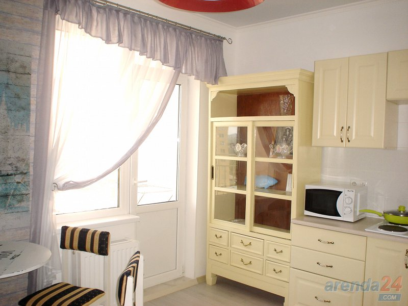 1-комнатная квартира посуточно, Одесса, мкрн массив Радужный, 13 (3)