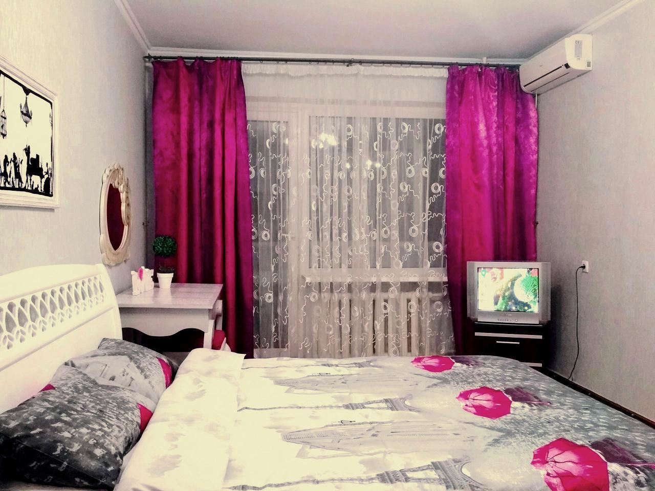 1-комнатная квартира посуточно в Одессе. Киевский район, ул. Ильфа и Петрова, 29 (3)