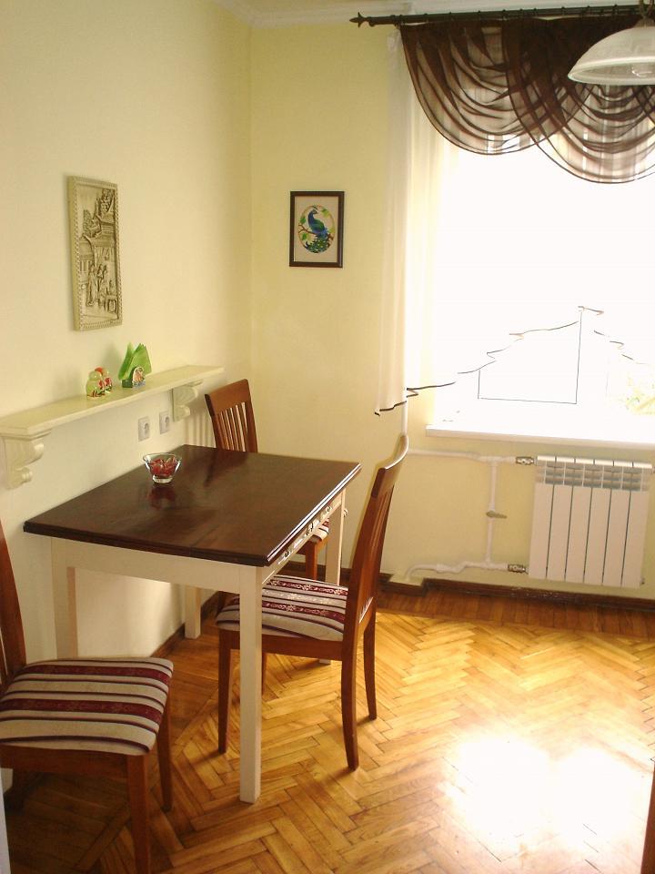 1-комнатная квартира посуточно в Одессе. Киевский район, ул. Ильфа и Петрова, 29 (6)