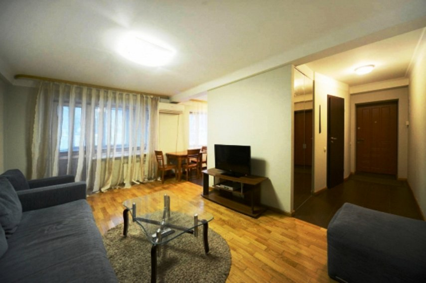 2-комнатная квартира посуточно, Киев, ул. Мечникова, 8 (1)