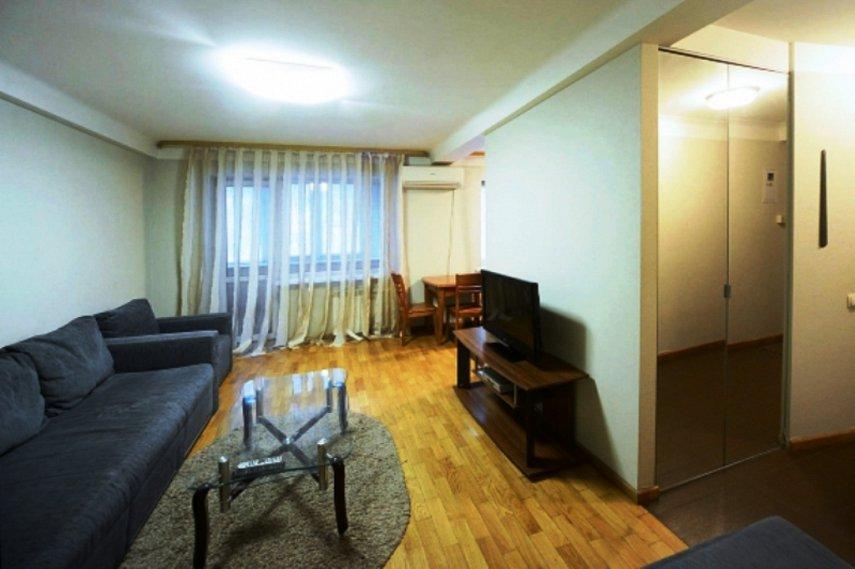 2-комнатная квартира посуточно, Киев, ул. Мечникова, 8 (2)