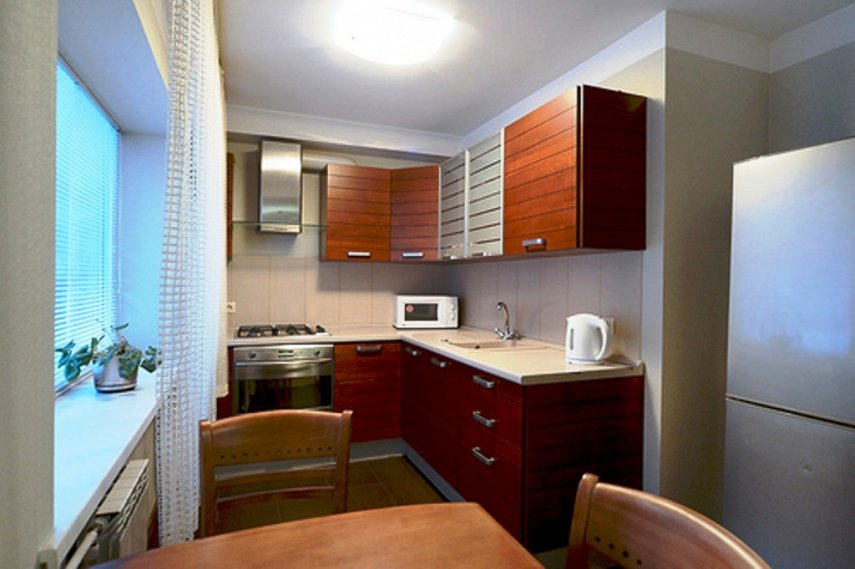 2-комнатная квартира посуточно, Киев, ул. Мечникова, 8 (4)