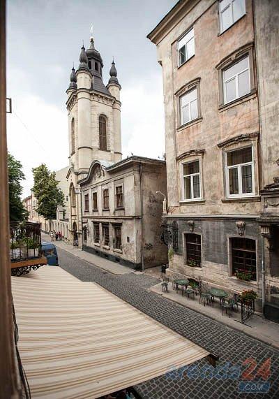 Трехкомнатная квартира возле Площади Рынок, ул. Армянская (10)