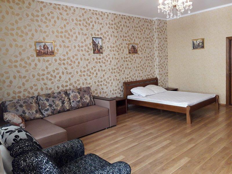 Трехкомнатная квартира возле Площади Рынок, ул. Армянская (1)