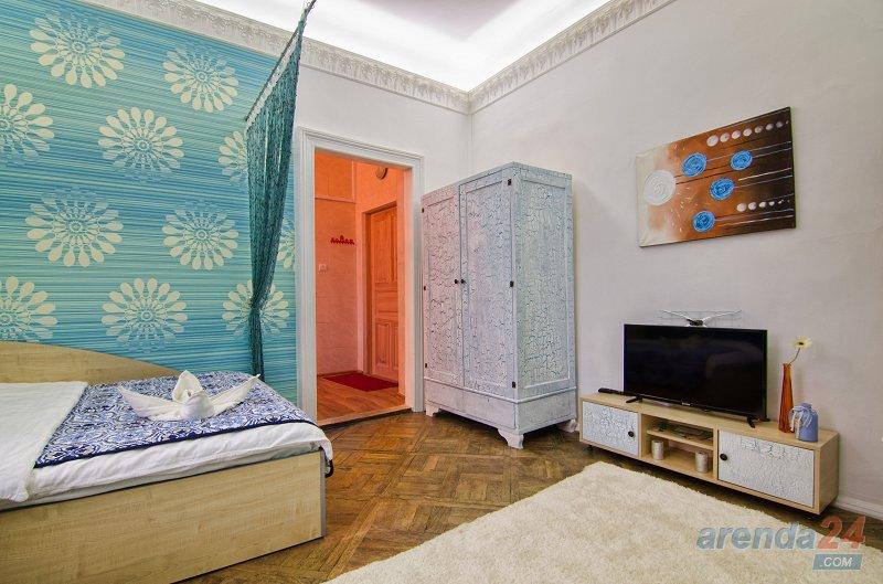 Сдаётся посуточно однокомнатная квартира возле площади Рынок (4)