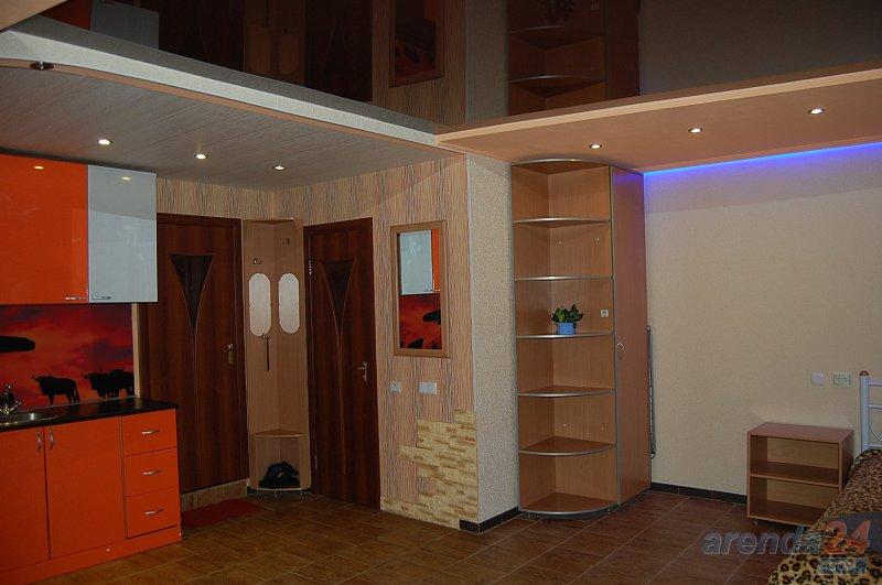 1-кімнатна квартира подобово, Луганськ, вул. Сосюры, 135 (4)
