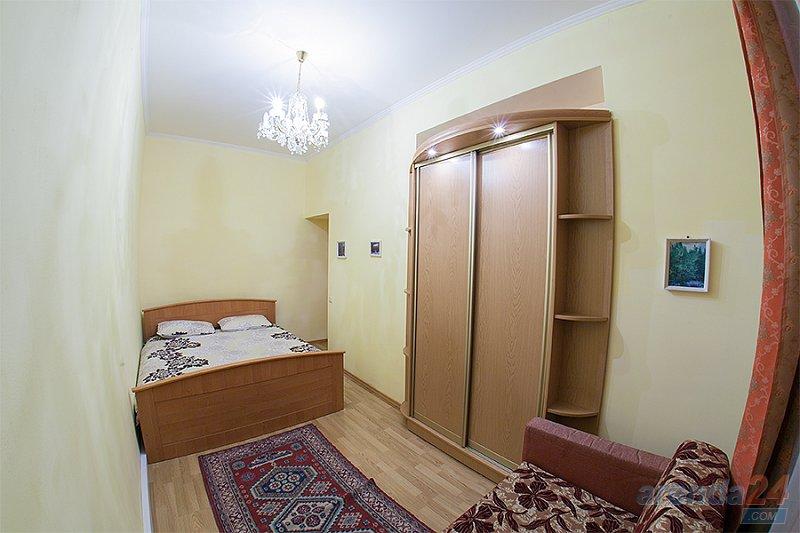 2-кімнатна квартира подобово, Львів, вул. Краківська, 14 (2)
