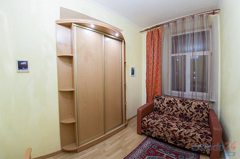 2-комнатная квартира посуточно, Львов, ул. Краковская, 14 (3)