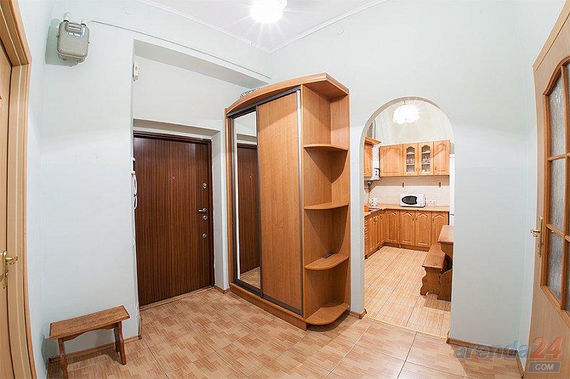 2-комнатная квартира посуточно, Львов, ул. Краковская, 14 (6)