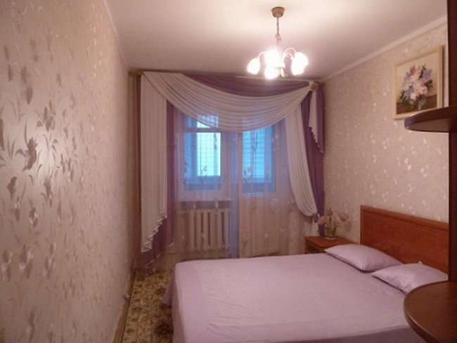 Предлагается в посуточную аренду 3 комнатная квартира, первая линия домов до моря, есть вид моря