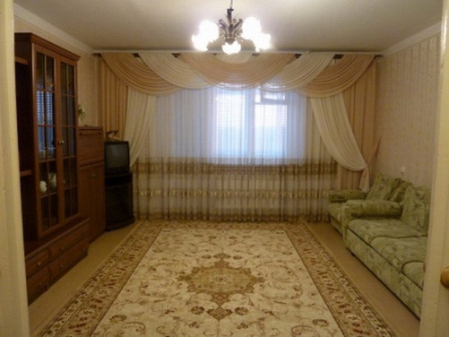 Предлагается в посуточную аренду 3 комнатная квартира, первая линия домов до моря, есть вид моря (2)