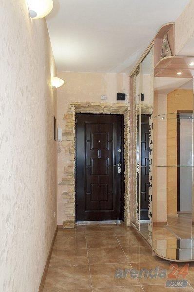 3-к.квартира в Киеве посуточно. проспект Оболонский 40 (10)