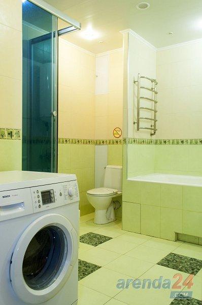 3-к. квартира в Киеве посуточно, ул. Озерная 8 (10)