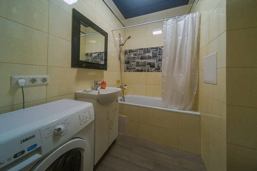 2-к. квартира на сутки в Киеве. ул. Богатырская 6а (1)