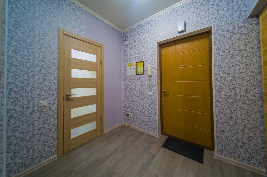 2-к. квартира на сутки в Киеве. ул. Богатырская 6а (8)