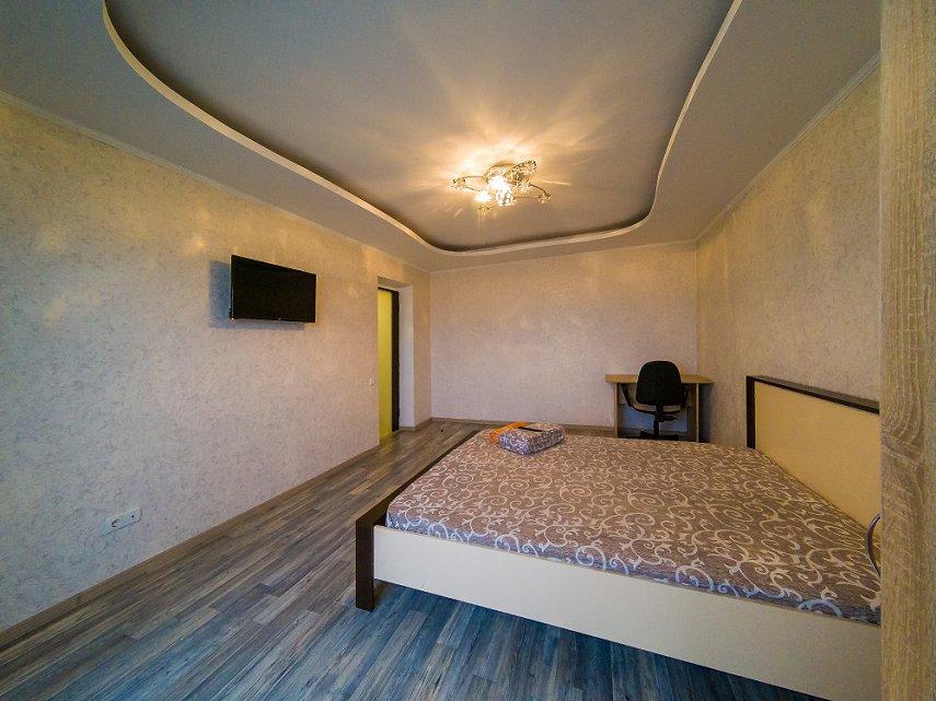 3-к.квартира в Киеве посуточно. проспект Оболонский 40 (2)
