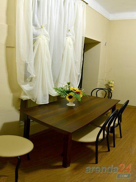 2-комнатная квартира посуточно, Львов, ул. Городоцкая, 111 (8)