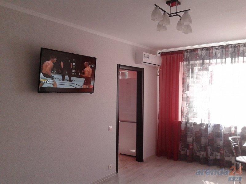 Квартира в Керчи с новым ремонтом, ряжом пляж, море.( техника и мебель новая) (10)
