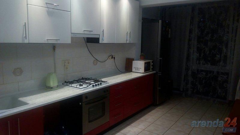 2-кімнатна квартира подобово, Чернівці, вул. Руська, 219 (2)
