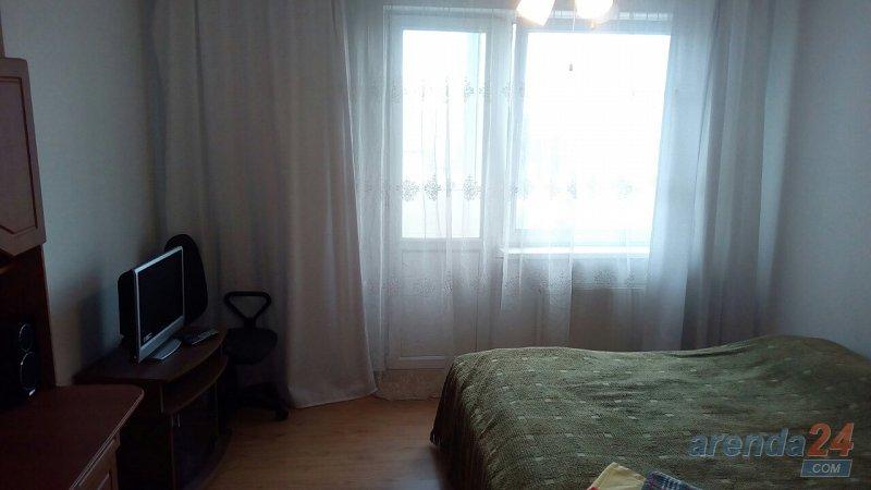 2-кімнатна квартира подобово, Чернівці, вул. Руська, 219 (5)