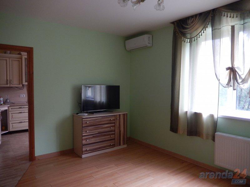 1-комнатная квартира посуточно, Моршин, ул. Вокзальная, 61А (1)