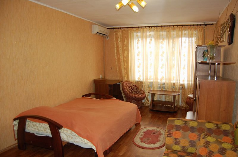 1-к квартира, посуточно, почасово, в центре Луганска, р-н красной пл.