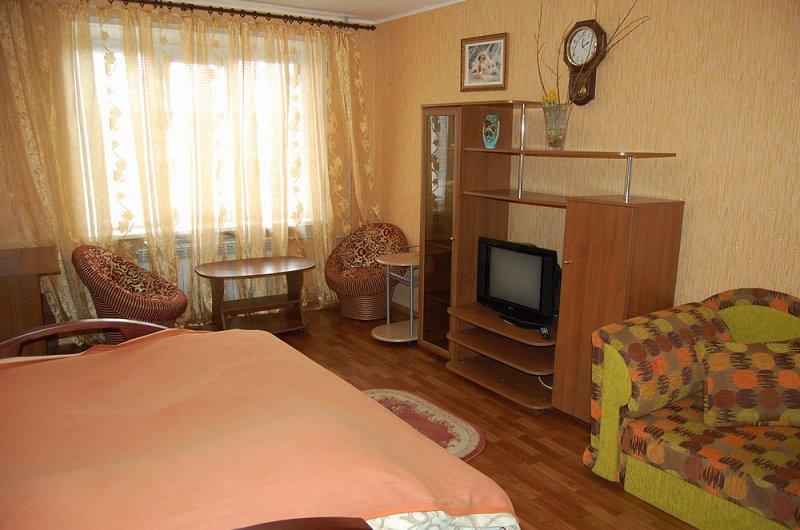 1-кімнатна квартира подобово, Луганськ, вул. Коцюбинського, 27 (1)