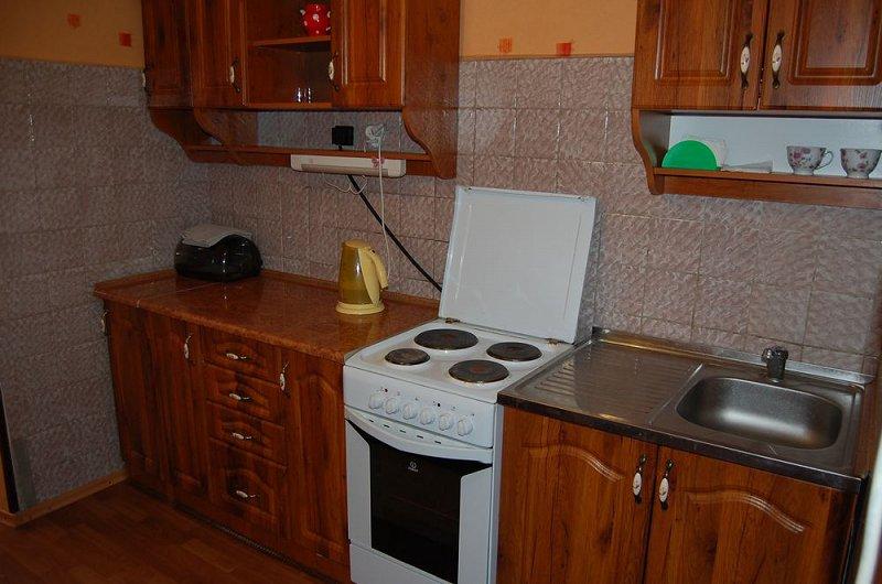 1-кімнатна квартира подобово, Луганськ, вул. Коцюбинського, 27 (3)